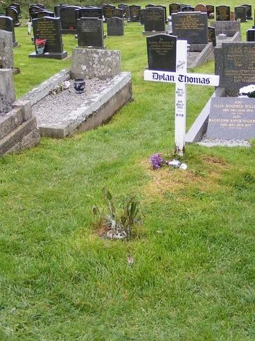 Dylan_Thomas's_grave