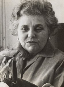 Elizabeth_Bishop,_1964_(cropped)